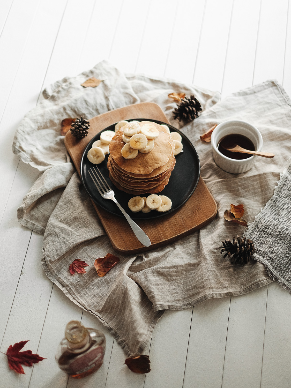Tour de pancakes véganes à la banane